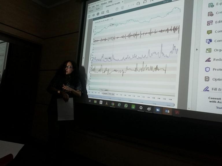 Ileana presents E4 data